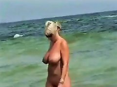 Voyeur At The Nudist Beach amateur sex