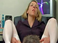 Marie Spreads Her Legs amateur sex
