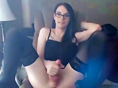 Shoots A Big Load Of Jizz All Over Her Face amateur sex