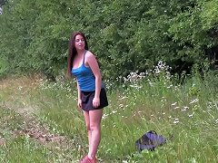 She Rubs Her Clit And Gets Herself Off During A Nature Hike amateur sex