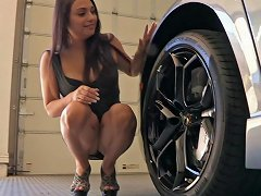 She Flashes An Upskirt While Crawling Around In A Car amateur sex